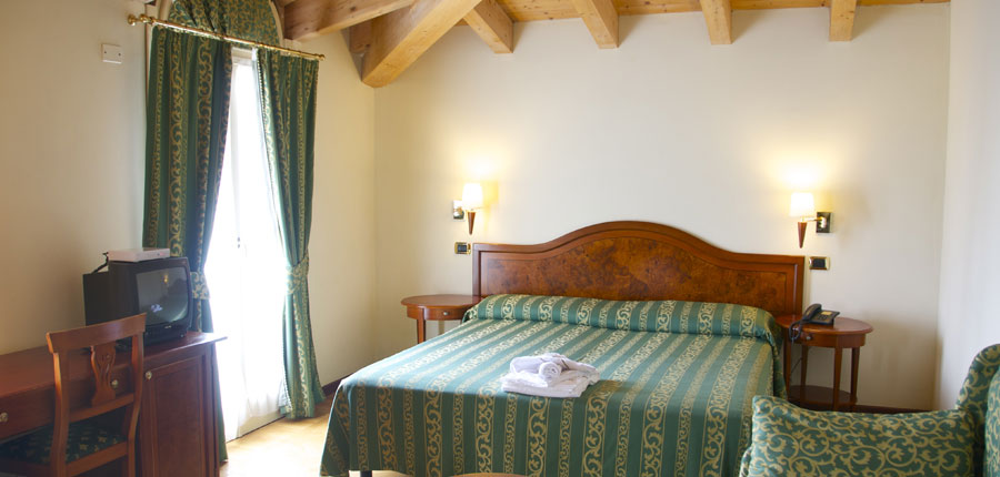 Chalet Hotel Galeazzi, Gardone Riviera, Lake Garda, Italy - bedroom interior.jpg
